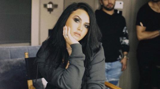 Demi Lovato apareció sin querer en live de su nuevo novio