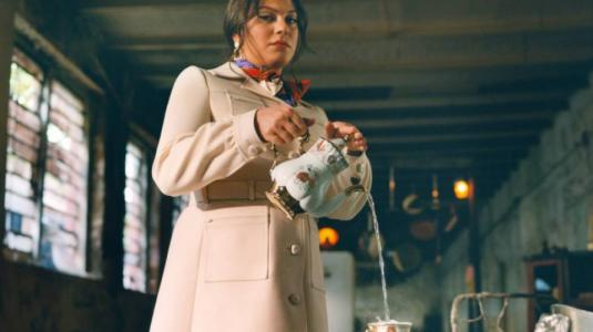 Daniela Vega protagoniza fashion film de Vogue, Gucci y GQ