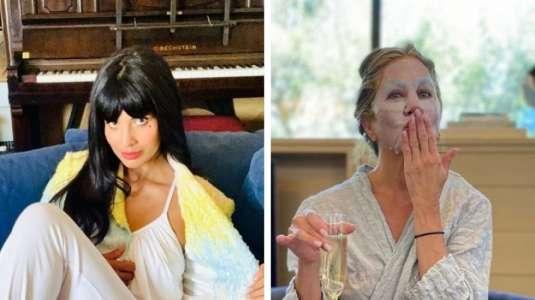 Jennifer Aniston y Jameela Jamil lucieron sus pijamas en los Emmys 2020