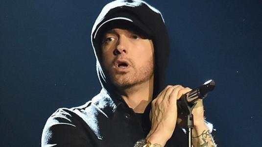 Eminem es criticado tras lanzamiento de su nuevo álbum
