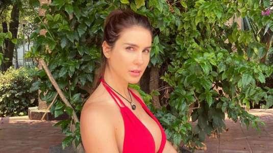 Francisca Undurraga responde a desubicado comentario en foto sexy