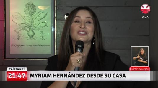 Myriam Hernández cantó junto a su hijo en la Teletón