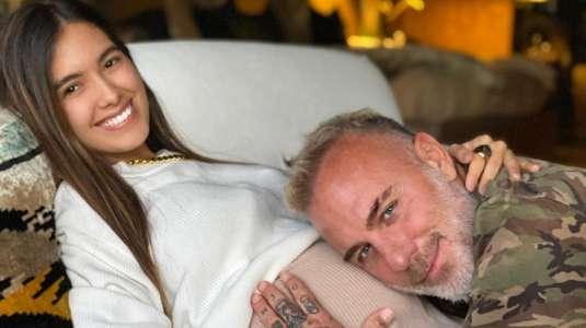 Gianluca Vacchi y Sharon Fonseca anuncian el sexo de su bebé con excéntrico espectáculo