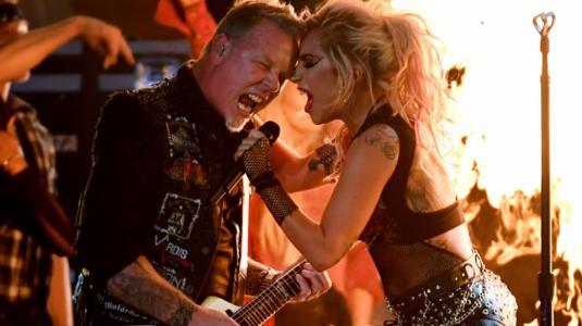 Lady Gaga y Metallica  prenden el escenario de los Grammy