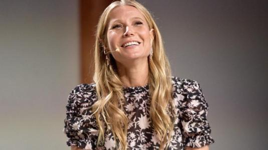 Gwyneth Paltrow muestra a su hija Apple y es igual a ella