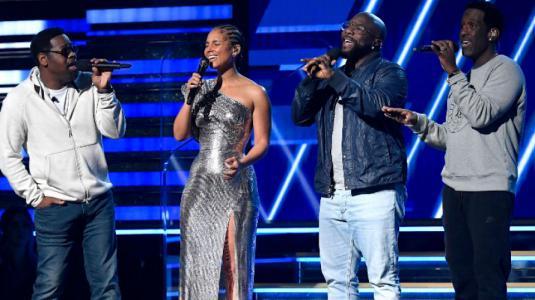 Emotivo homenaje a Kobe Bryant se toma la apertura de los Grammy