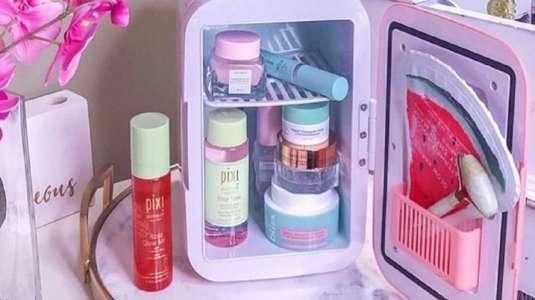 Moda de los mini refrigeradores de skincare arrasa en redes sociales
