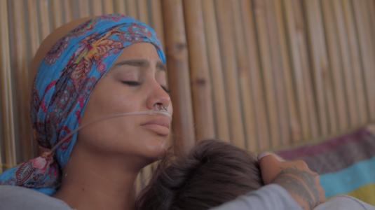Loreto Aravena y Camila Recabarren actuaron juntas en emotivo videoclip