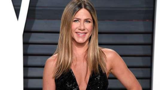 Subastan foto desnuda de Jennifer Aniston para reunir fondos contra el coronavirus