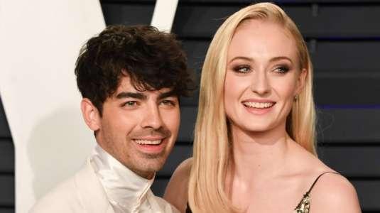 Joe Jonas y Sophie Turner se unen al challenge latino de moda