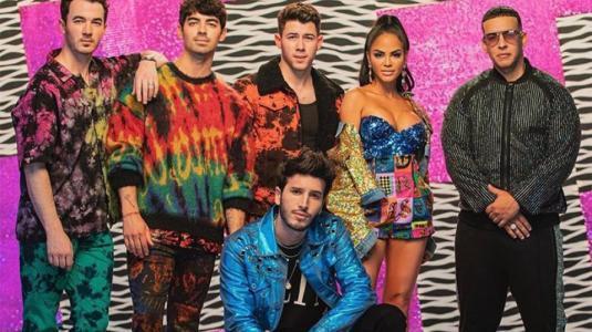 """Estrenan """"Runaway"""", la canción que une a los Jonas Brothers con el reggaetón"""