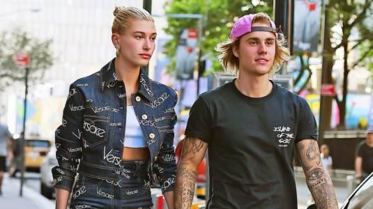 Justin y Hailey Bieber disfrutaron de unas acarameladas vacaciones en Hawai