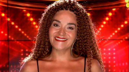 Kathy Orellana dejó su aleonada cabellera para volver a su look natural