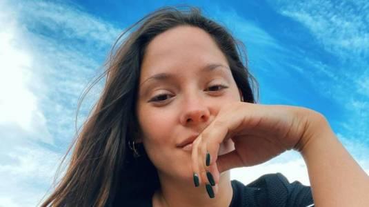Kel Calderón impacta con foto en bikini en sus vacaciones en México
