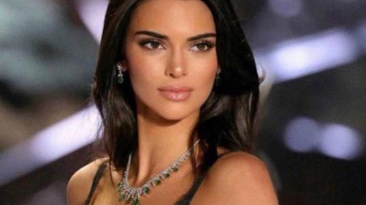 Kendall Jenner se une al bando de las rubias en el London Fashion Week