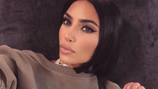 Kim Kardashian crea colección de maquillaje inspirada en las supermodelos de los 90