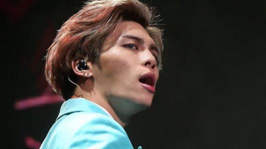 La extraña coincidencia que une a Alejandro Sanz y al fallecido cantante Jonghyun