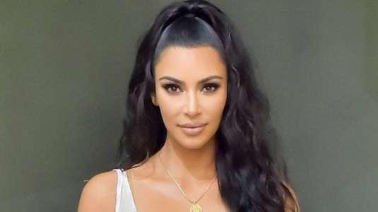 Kim Kardashian luce el bikini más sensual de la temporada