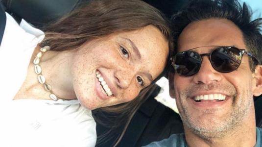 Cristián de la Fuente comparte con orgullo foto de su hija Laura estudiando en cuarentena