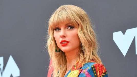 Taylor Swift sorprende al anunciar álbum sorpresa grabado en cuarentena