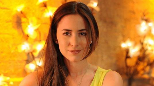 Lorena Bosch regresa a la televisión con Río Oscuro tras ser madre por segunda vez