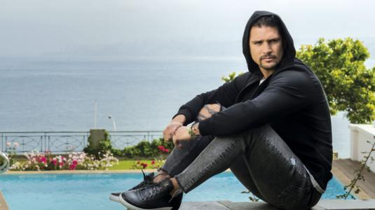 """Mark González compró casa de teleserie """"Cerro Alegre"""" para abrir un centro de eventos"""