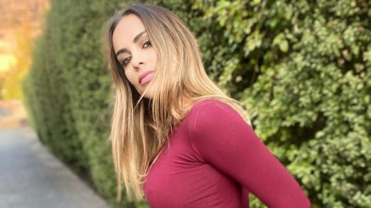 Maura Rivera se une a desafío de JLo y la imita a la perfección