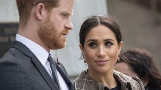 Aseguran que Meghan Markle no dejó al príncipe Harry viajar a ver a su papá