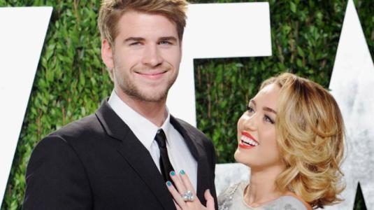 Madrina de Miley Cyrus confirma que la cantante y Liam Hemsworth están juntos