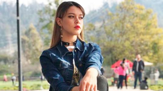 """Ex chica """"Rojo"""" sorprende con nueva apariencia y estilo musical"""