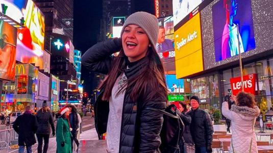 Influencer y Tiktoker Ignacia Antonia prepara su debut como cantante