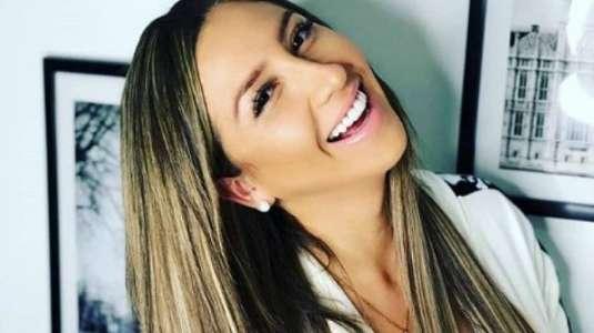Nicole Moreno usa pañuelo de lujo como mini falda