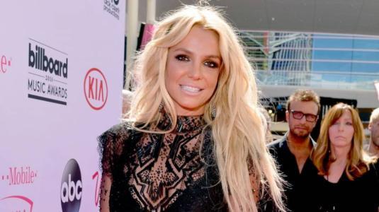 Britney Spears sufre accidente mientras bailaba
