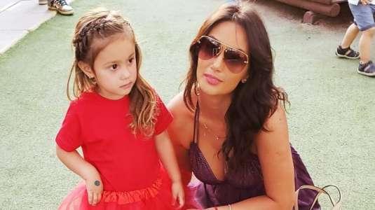 """Pamela Díaz le pregunta a su """"pipol"""" si debería hacerle Instagram a su hija menor"""