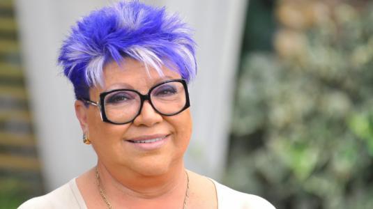 La particuar mascarilla que Patricia Maldonado creó para hacer frente al coronavirus