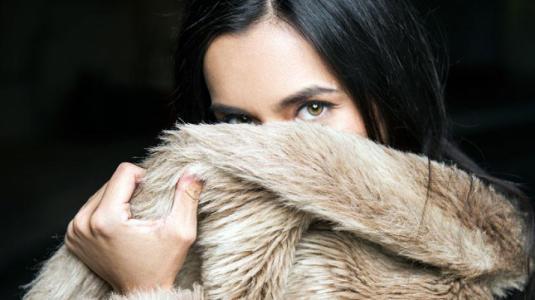 Manual de estilo: abrigos peludos y envolventes
