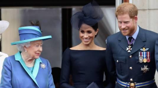 Reina Isabel II alza la voz tras entrevista de Harry y Meghan Markle