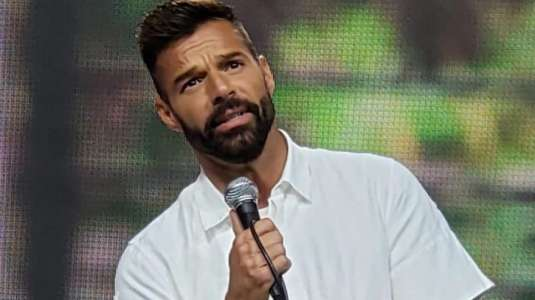 Ricky Martín causa preocupación por su aspecto: fans piensan que está muy delgado