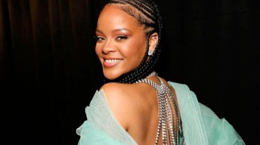 Rihanna se luce bailando al ritmo de Elvis Crespo