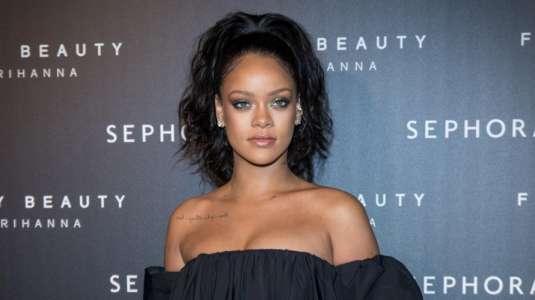 Rihanna sufre accidente en scooter y termina con moretones en su rostro