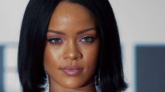 Rihanna renuncia a su mansión en Hollywood