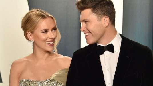 ¡Scarlett Johansson se casó en secreto con Colin Jost!