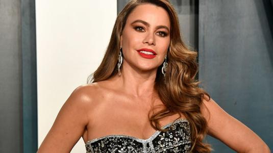 Repitió la fórmula: Sofía Vergara usó un vestido muy similar al del año pasado en los Oscar