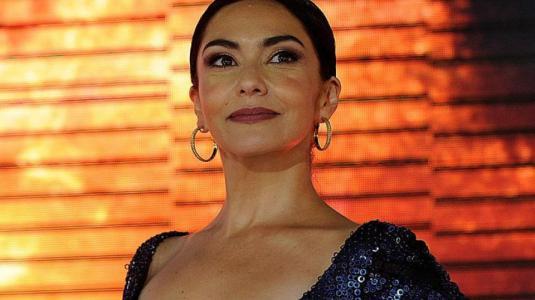 Tamara Acosta aclaró sutilmente su icónico pelo oscuro