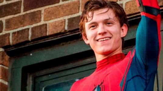 """Un borracho Tom Holland ayudó a que """"Spider-Man"""" se quedara en el UCM"""
