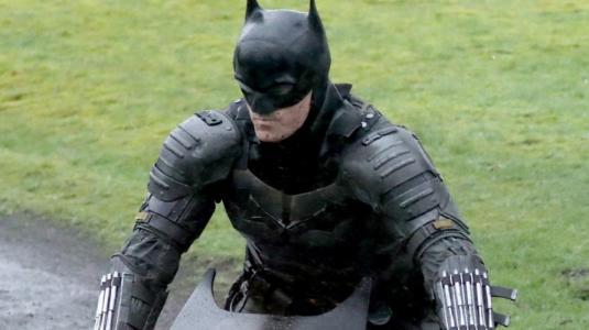 Revelan imágenes del Batimóvil de Robert Pattinson