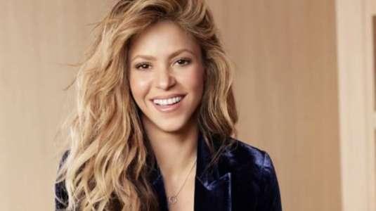 Shakira impacta en las redes con fotos en bikini diseñado por ella