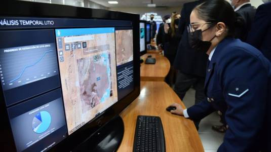 """Chile tendrá su propia """"Nasa"""": fabricará satélites"""