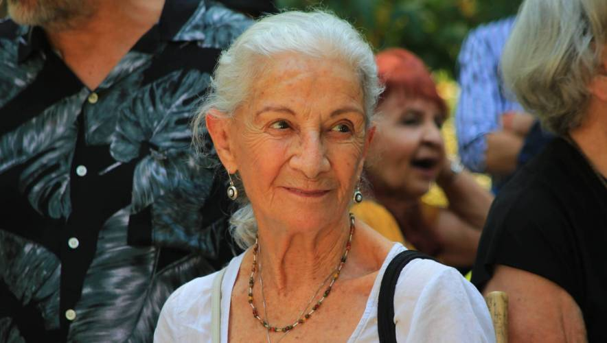 Luz Jiménez está perdiendo la vista por enfermedad degenerativa
