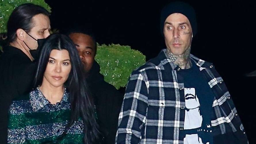 Travis Barker se tatuó el nombre de Kourtney Kardashian en su pecho